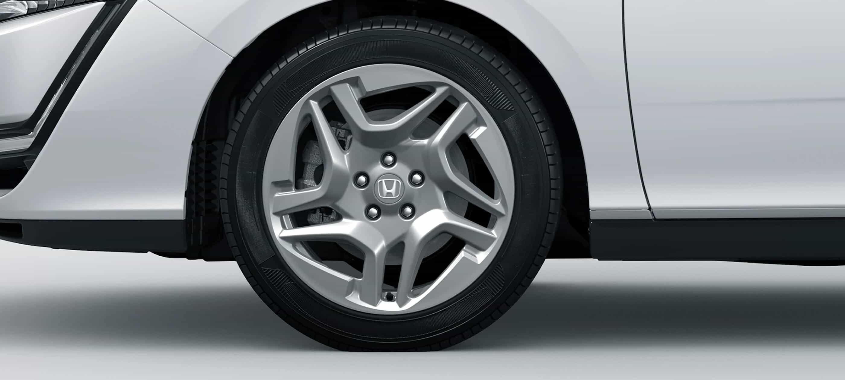 18-Inch Alloy Wheels