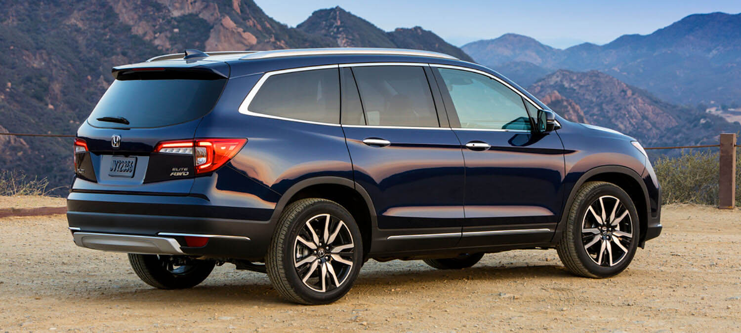 2020 Honda Pilot AWD Exterior Side Angle Mountain Location