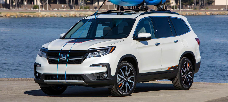 2020 Honda Pilot AWD Exterior Front Angle Driver Side Dock Location