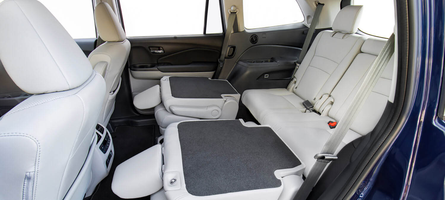2020 Honda Pilot AWD Interior 2nd Row Folding Seats