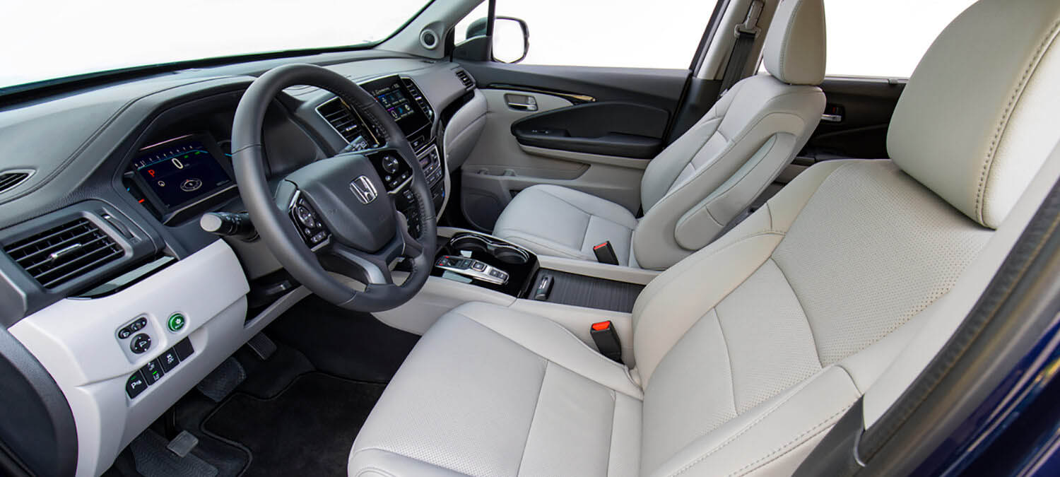 2020 Honda Pilot AWD Interior Cockpit Driver Side